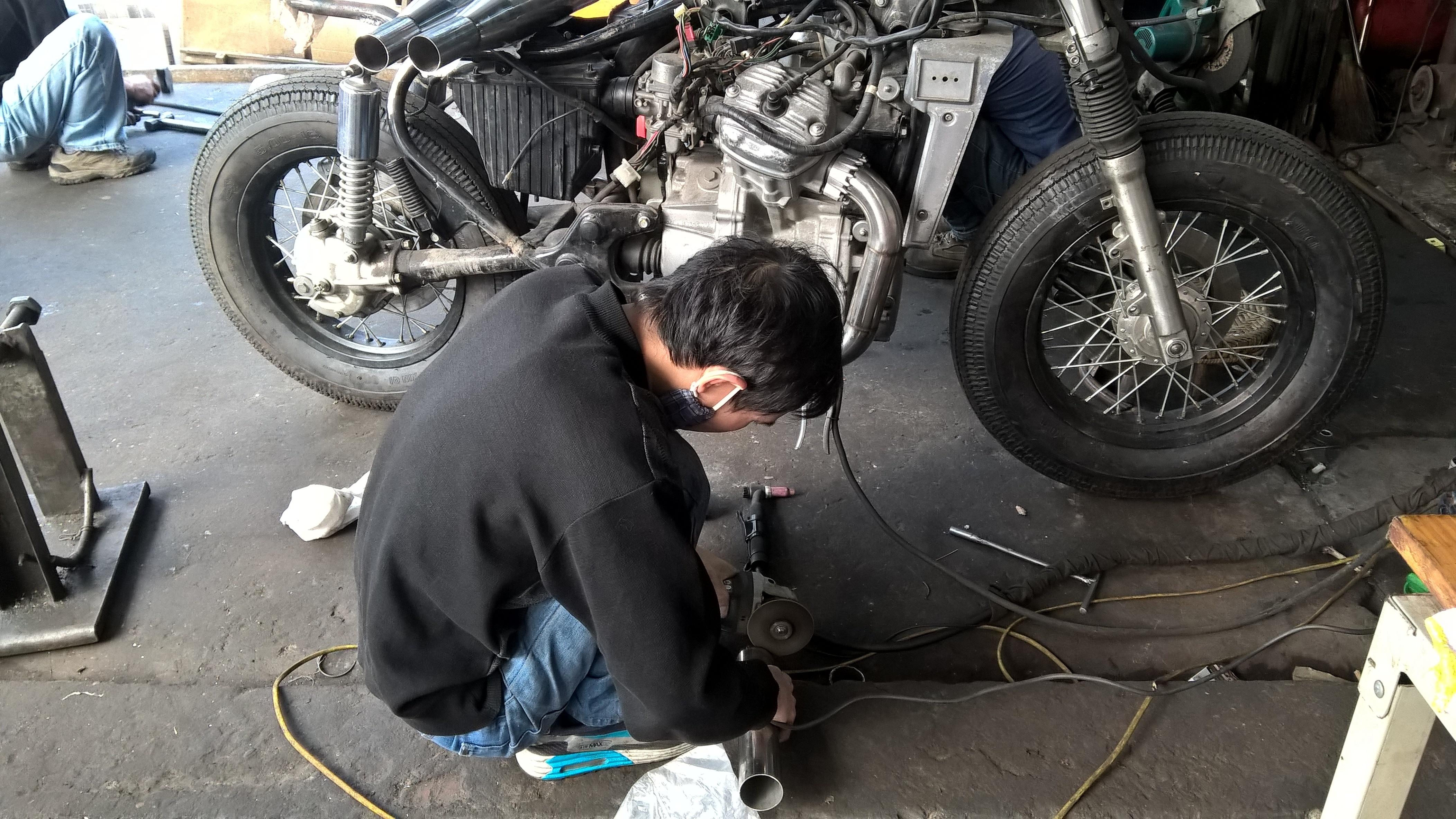 Thợ cắt hợp kim ống xả