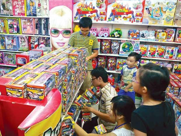 Hàng đồ chơi Trung Quốc đang giăng ma trận tại Việt Nam