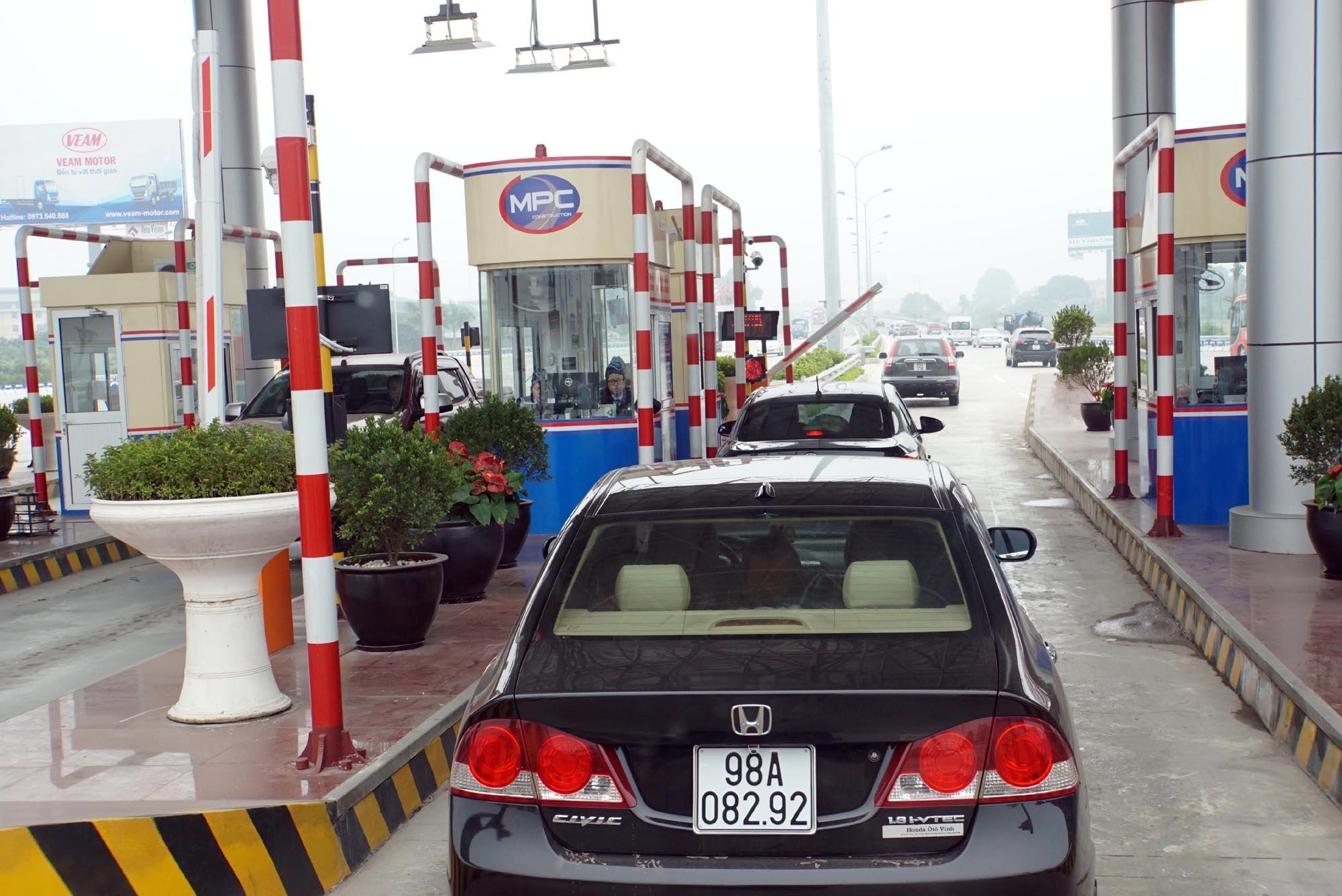 Một trạm thu phí cao tốc (ảnh Ngọc Thắng)