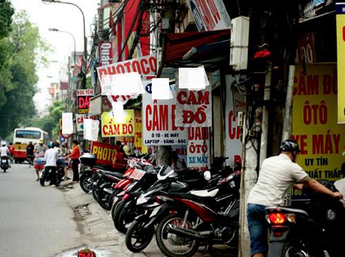 Đường Láng (Hà Nội), các cửa hàng cầm đồ đang nóng vì Euro 2016