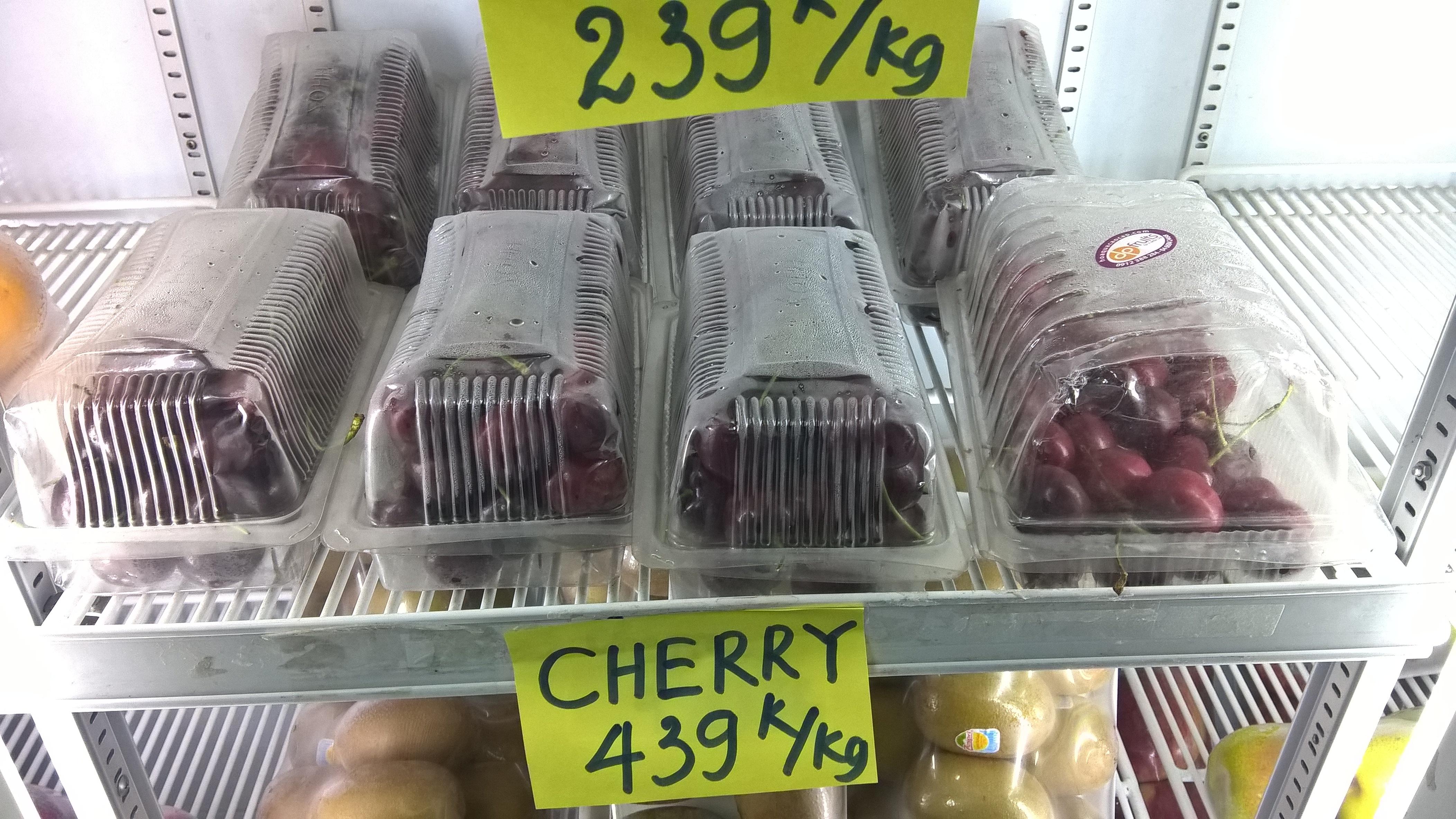 Cherry giá rẻ tại nhiều cửa hàng