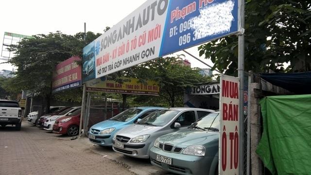 Với mức giá xe mới như này thì các dòng xe cũ bán ít nhất cũng phải chênh giá từ 100 triệu thậm chí gần 200 triệu đồng mới lôi kéo được khách.