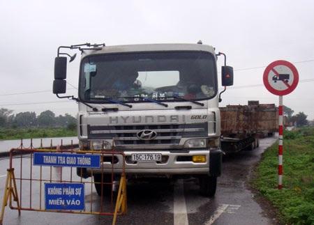 Đoàn xe đi qua trạm kiểm soát tải trọng xe của tỉnh Thái Bình nhưng không bị phát hiện