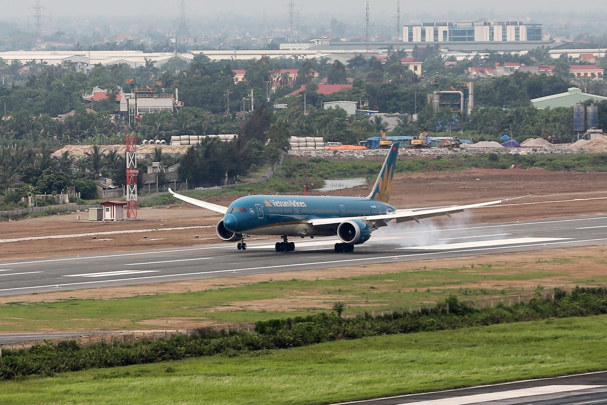 Vietnam Airlines đã khai thác đường bay đi/đến Hải Phòng từ những năm 90