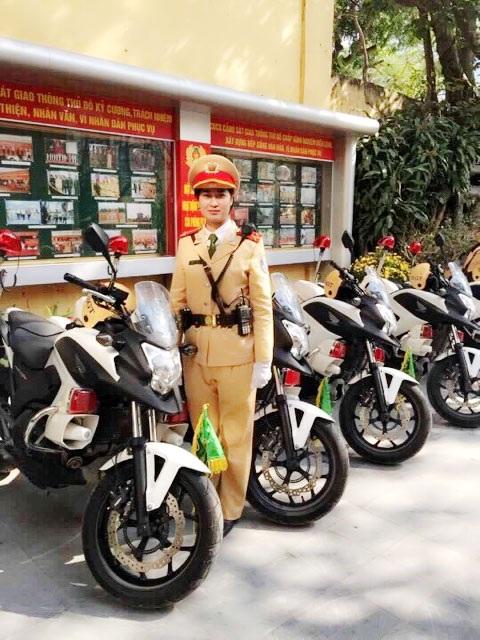 Nữ CSGT dẫn đoàn Hoàng Thị Hải Hà