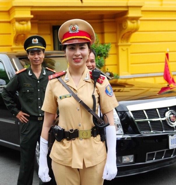 Gương mặt của nữ Cảnh sát Quỳnh Anh luôn rạng ngời, tươi trẻ và thân thiện