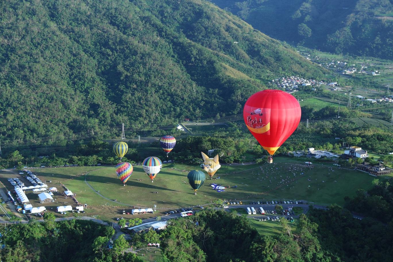 Biểu tượng Vietjet rực rỡ tại Lễ hội khinh khí cầu quốc tế - 1
