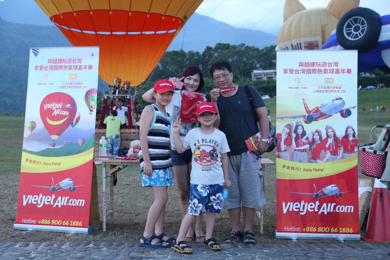 Biểu tượng Vietjet rực rỡ tại Lễ hội khinh khí cầu quốc tế - 7