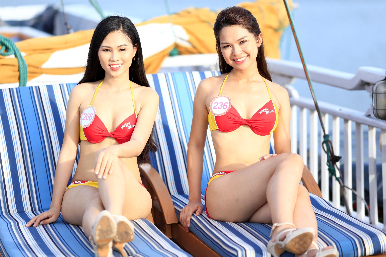 """Bikini Vietjet """"đốt nóng"""" trước đêm chung kết Hoa hậu Việt Nam - 6"""
