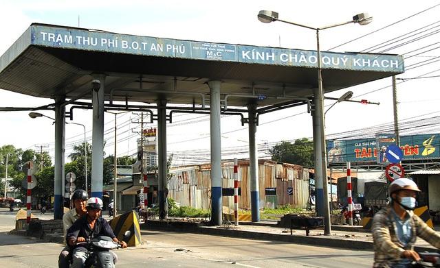 Trạm thu phí BOT được UBND tỉnh Bình Dương mua lại (ảnh: Trung Kiên)