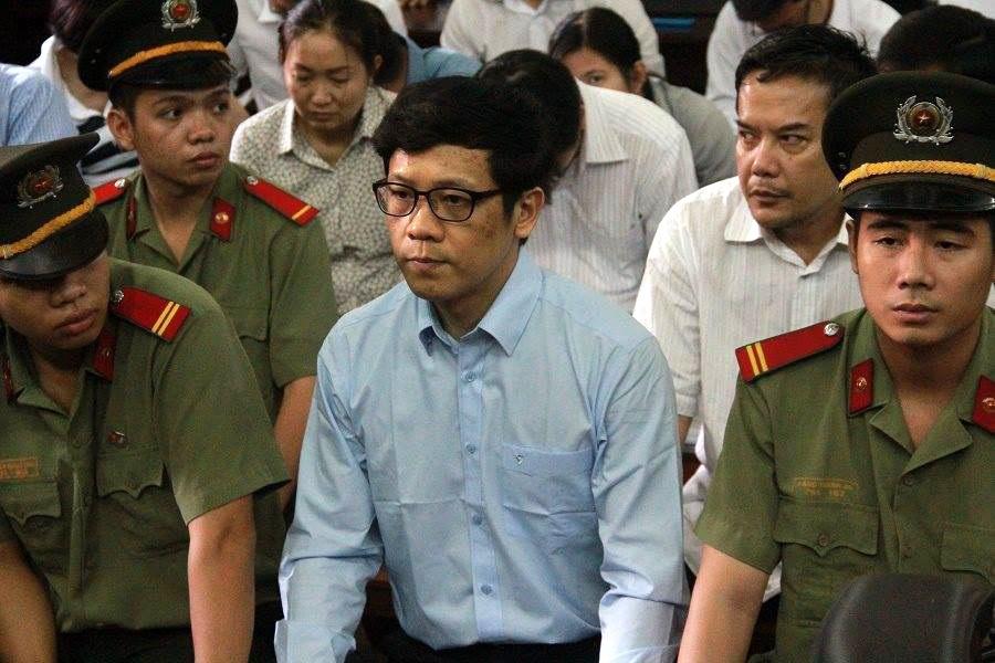 Bị cáo Phan Thành Mai mới khai chỉ ký lệnh cho rút tiền như một thủ tục hợp thức hóa cho đúng quy định của Ngân hàng Nhà nước, còn thực tế khi bị cáo ký thì 2 khoản tiền 5.190 tỷ đồng và 300 tỷ đồng trên đã giải ngân.