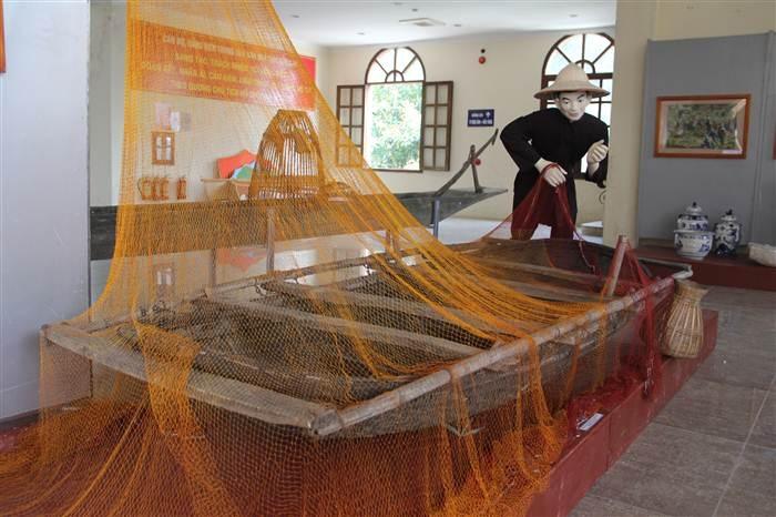 Tổ hợp triển lãm nghề đánh cá ở Quảng Ninh.