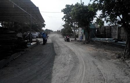Đoạn kênh công cộng gần 3000 m2 đã bị bà Nguyễn Phương Thúy cho san bằng và trở thành con đường mòn
