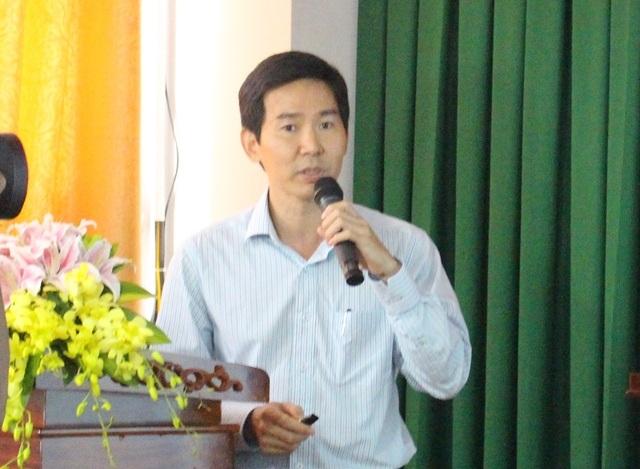 TS.BS Lâm Việt Trung - Trưởng khoa Ngoại Tiêu hóa BV Chợ Rẫy báo cáo tại hội nghị dinh dưỡng ngày 19/8 tại TP Cần Thơ