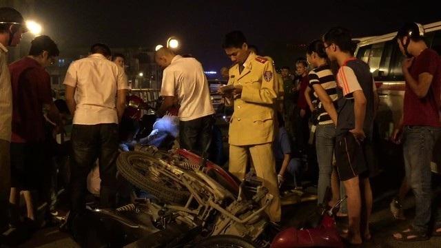 Hiện trường ngổn ngang trong vụ tai nạn.