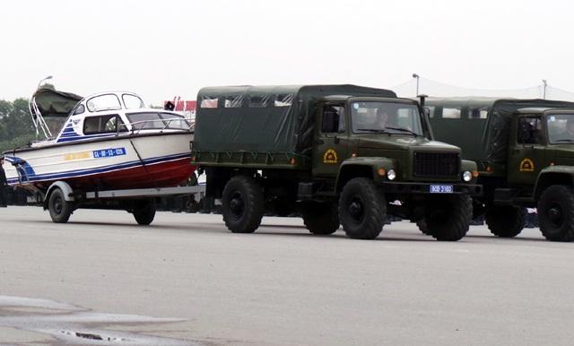 Xuồng máy sử dụng trong các trường hợp khẩn cấp trên đường thủy.