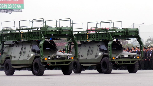 Ngắm dàn xe đặc chủng bảo vệ Đại hội Đảng - 9