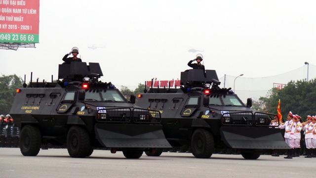 Ngắm dàn xe đặc chủng bảo vệ Đại hội Đảng - 10