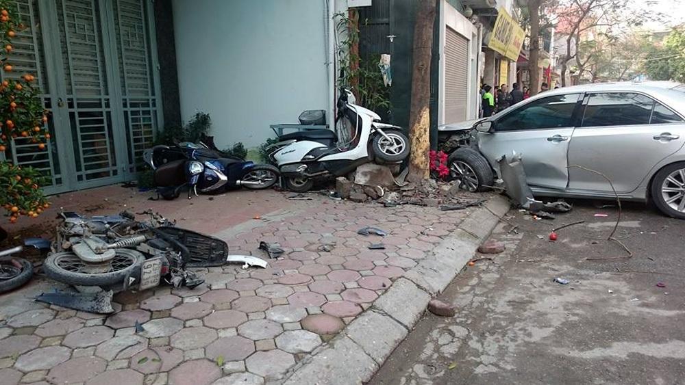 Hiện trường vụ tai nạn kinh hoàng sáng 29/2.