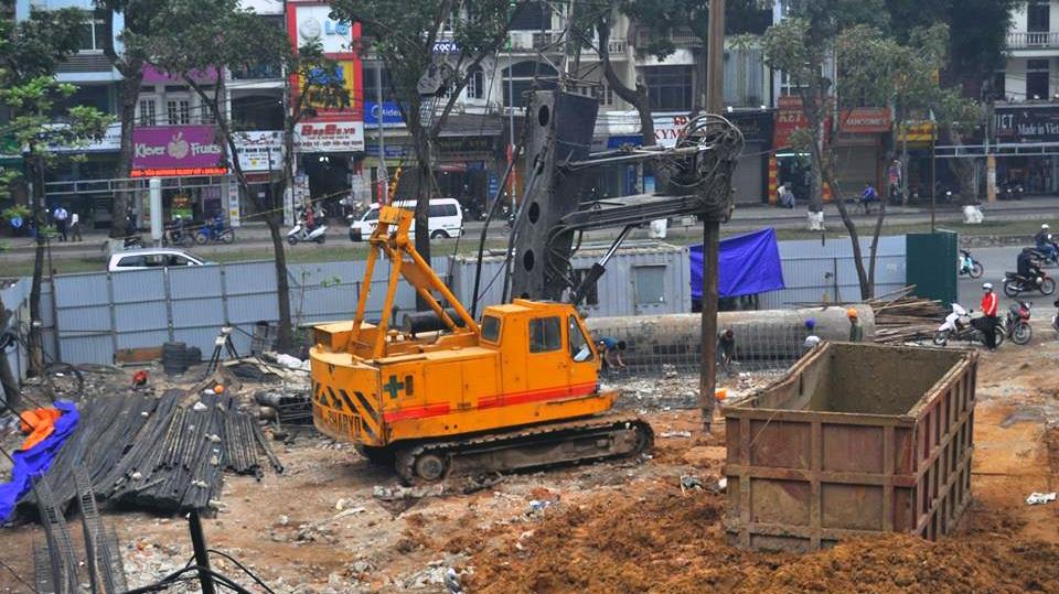 Công trình xây dựng khách sạn Đông Đô đang thi công phần móng, tầng hầm.