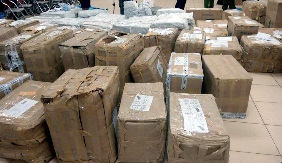 Lợi dụng Việt Nam là nước xuất khẩu chè, khi xuất - nhập khẩu, các cá nhân và doanh nghiệp đều khai với cơ quan Hải quan là cây thảo mộc sấy khô, chè khô để thông quan các lô hàng này đến nước thứ 3.
