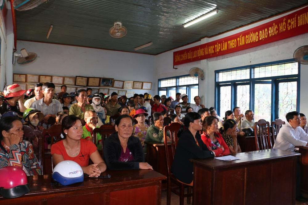 Hàng trăm người dân xã Ia Hlốp (Chư Sê) truy tiền hỗ trợ hạn hán bị cấp sai