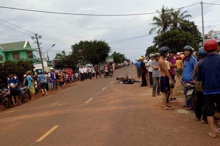 Vụ tai nạn nghiêm trọng khiến người dân bàng hoàng.