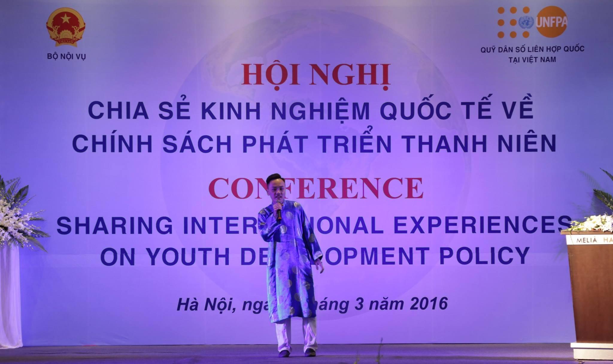 Theo báo cáo Quốc gia về thanh niên Việt Nam, thanh niên (từ 16-30 tuổi) đang chiếm 27,7% dân số