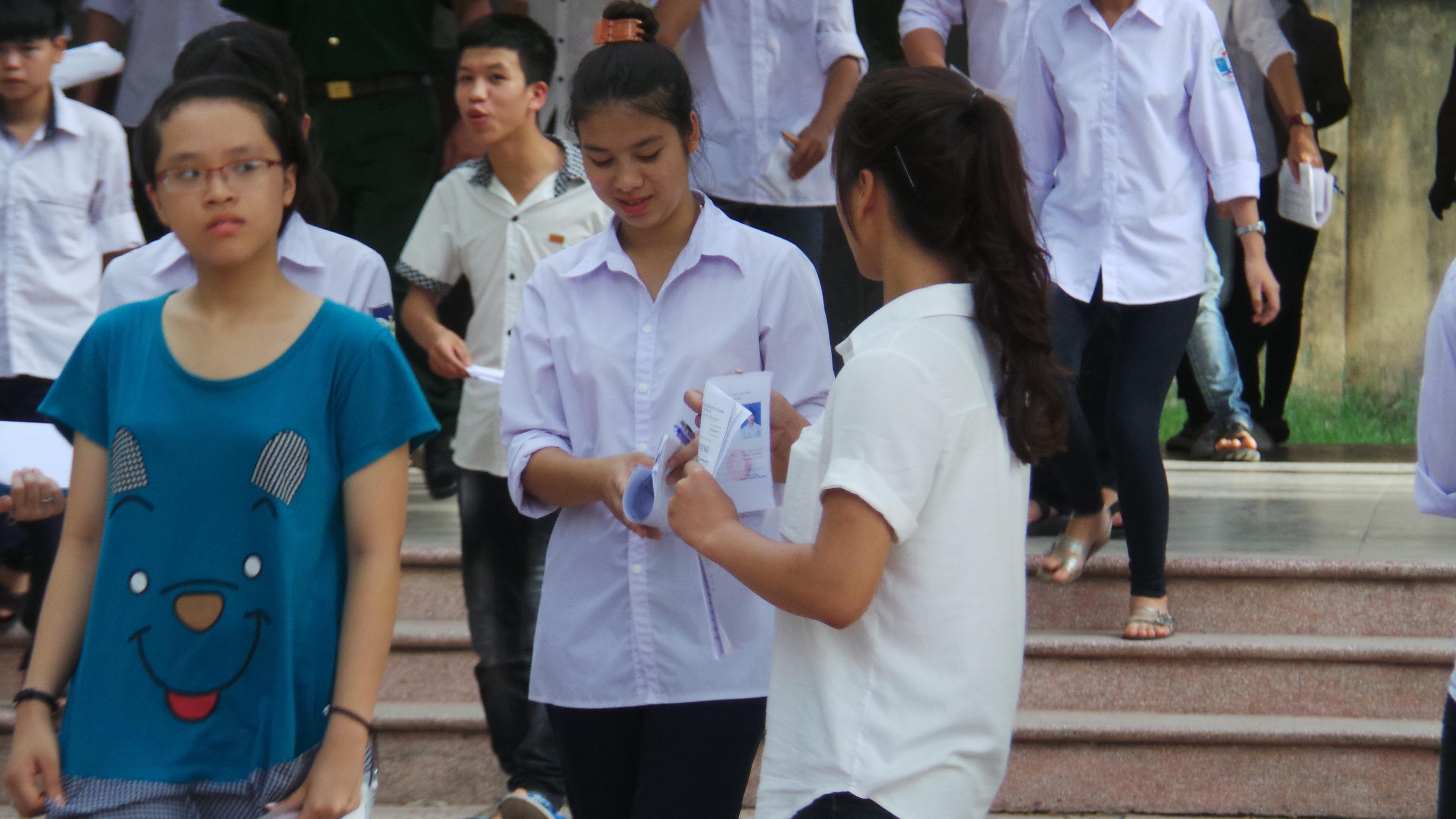 Thí sinh dự thi THPT 2016 tại Hà Nội (ảnh: M. Hà)