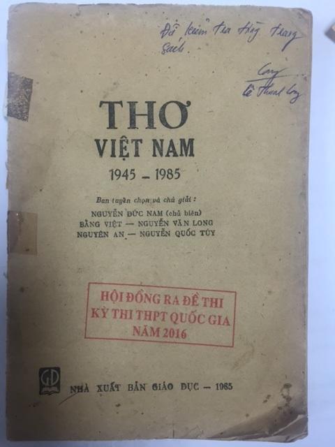 Ảnh bìa cuốn Thơ Việt Nam 1945- 1985 do Bộ GD&ĐT cung cấp