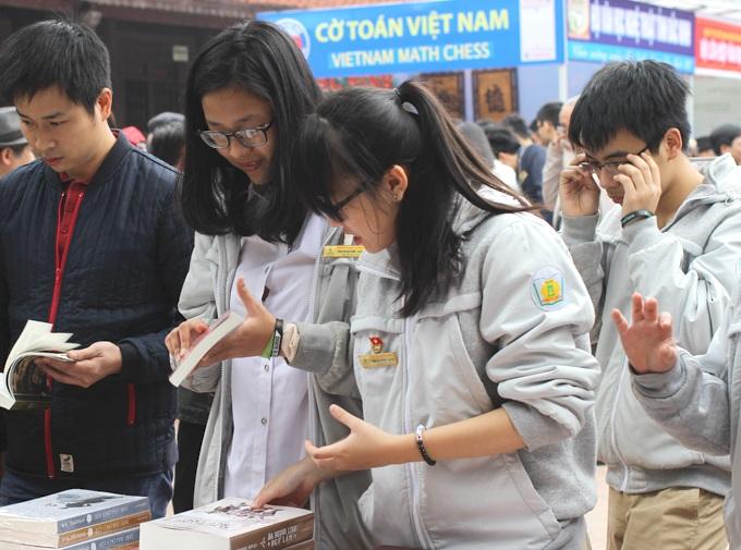 HS Trường Phan Huy Chú, Hà Nội trong giờ học tập trải nghiệm (ảnh: website nhà trường)