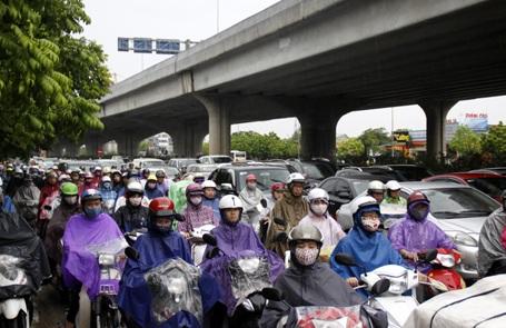 Tình trạng ùn tắc giao thông từ nay đến năm 2020 ở Hà Nội dự kiến còn phức tạp.