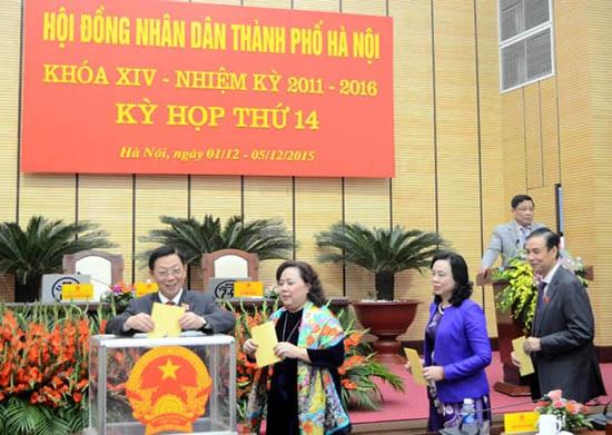 Đại biểu HĐND TP Hà Nội bỏ phiếu bầu tân Chủ tịch UBND TP