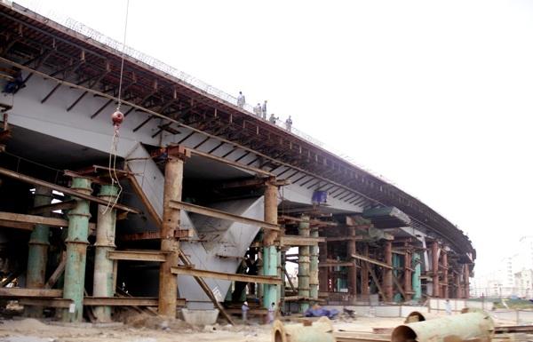 Tháng 5/2014, dự án xây dựng nút giao trung tâm quận Long Biên được khởi công