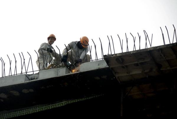 Hà Nội: Hối hả thi công trên cầu vượt 6 làn xe - 5