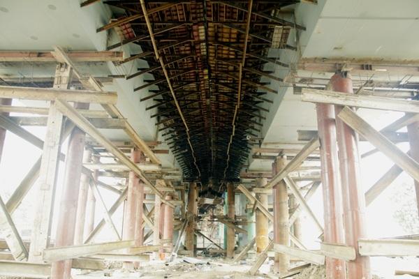 Hà Nội: Hối hả thi công trên cầu vượt 6 làn xe - 7