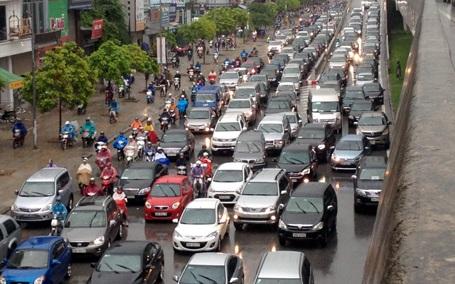 Xe cơ giới được tăng tốc thêm 10km/h ở khu vực dân cư (Ảnh Quang Phong)