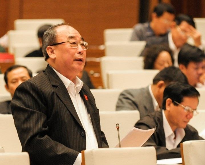 Đại biểu Trần Ngọc Vinh cho ý kiến xây dựng Luật Tiếp cận thông tin