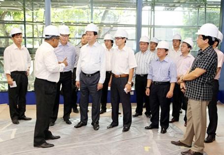 Trong khuôn khổ chuyến thăm và làm việc tại Cộng hòa Singapore, ngày 22/9/2014, Đại tướng Trần Đại Quang, Ủy viên Bộ Chính trị, Bộ trưởng Bộ Công an cùng Đoàn đại biểu cấp cao Bộ Công an Việt Nam đã đến thăm Tổ hợp Interpol Toàn cầu (Ảnh: Thanh Liêm).