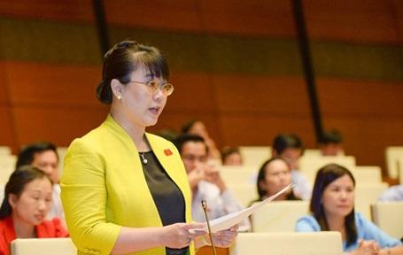 Đại biểu Nguyễn Thị Nguyệt Hường mong công chức nở một nụ cười khi làm nhiệm vụ