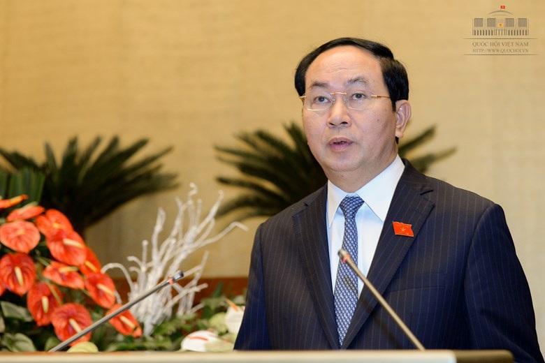 Chủ tịch nước Trần Đại Quang trình bày tờ trình đề nghị Quốc hội phê chuẩn Công hàm Thoả thuận về cấp thị thực giữa Việt Nam và Hoa Kỳ
