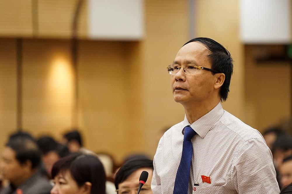 Ông Nguyễn Hoài Nam ủng hộ phương án khoán xe công.