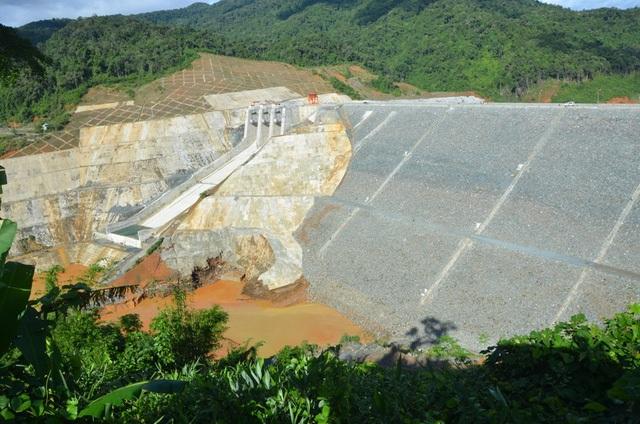 Hiện trường vụ vỡ cống dẫn dòng thủy điện Sông Bung 2