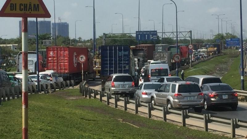 Trong các ngày nghỉ lễ 2/9, đã có hơn 120 nghìn lượt phương tiện qua cao tốc HLD.
