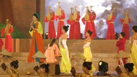 Long trọng Kỷ niệm 250 năm sinh Đại thi hào Nguyễn Du - 8