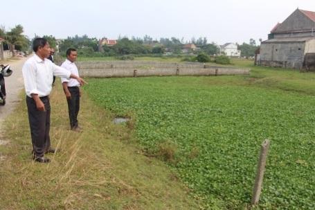 Người dân Cương Gián bức xúc và nghi ngờ việc UBND huyện bao che cho những sai phạm của cán bộ xã Cương Gián khi lập hồ sơ khống để cấp đất cho 2 đối tượng