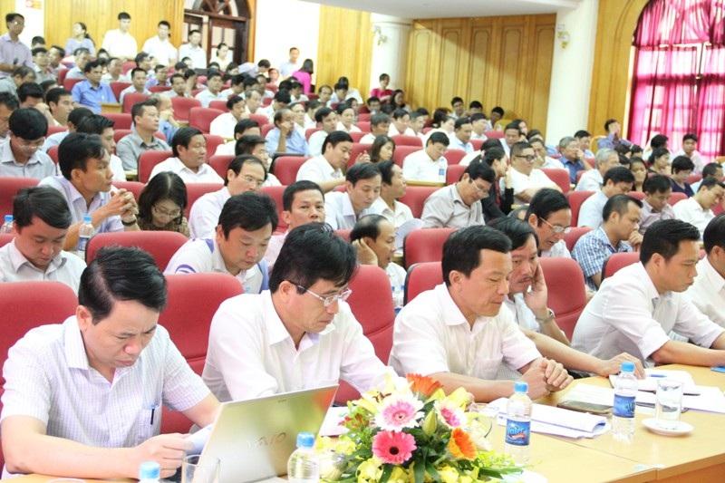 Hơn 200 doanh nghiệp tham dự buổi trao đổi với Chủ tịch UBND tỉnh