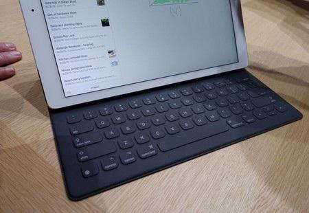 Kết nối với bàn phím rời Smart Keyboard