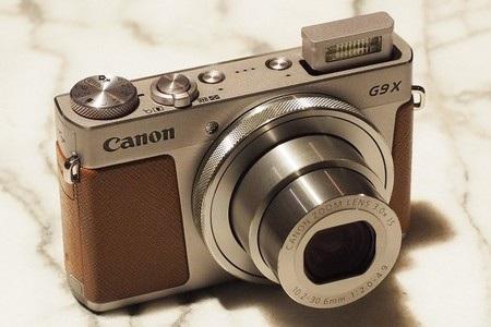 Canon G9 X sở hữu thiết kế nhỏ gọn và nhẹ nhàng