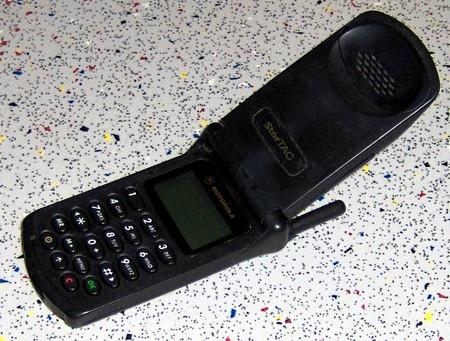 """Những chiếc điện thoại Motorola """"vang bóng một thời"""" - 2"""